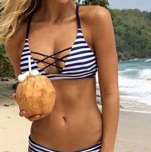 NWOT CUPSHE Black White Stripe Laced Up Bikini Top